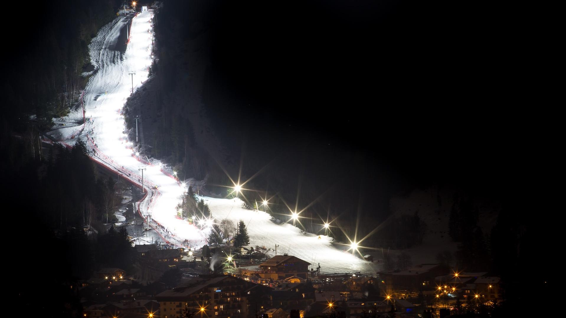 Domaine Skiable des Planards by Night Chamonix